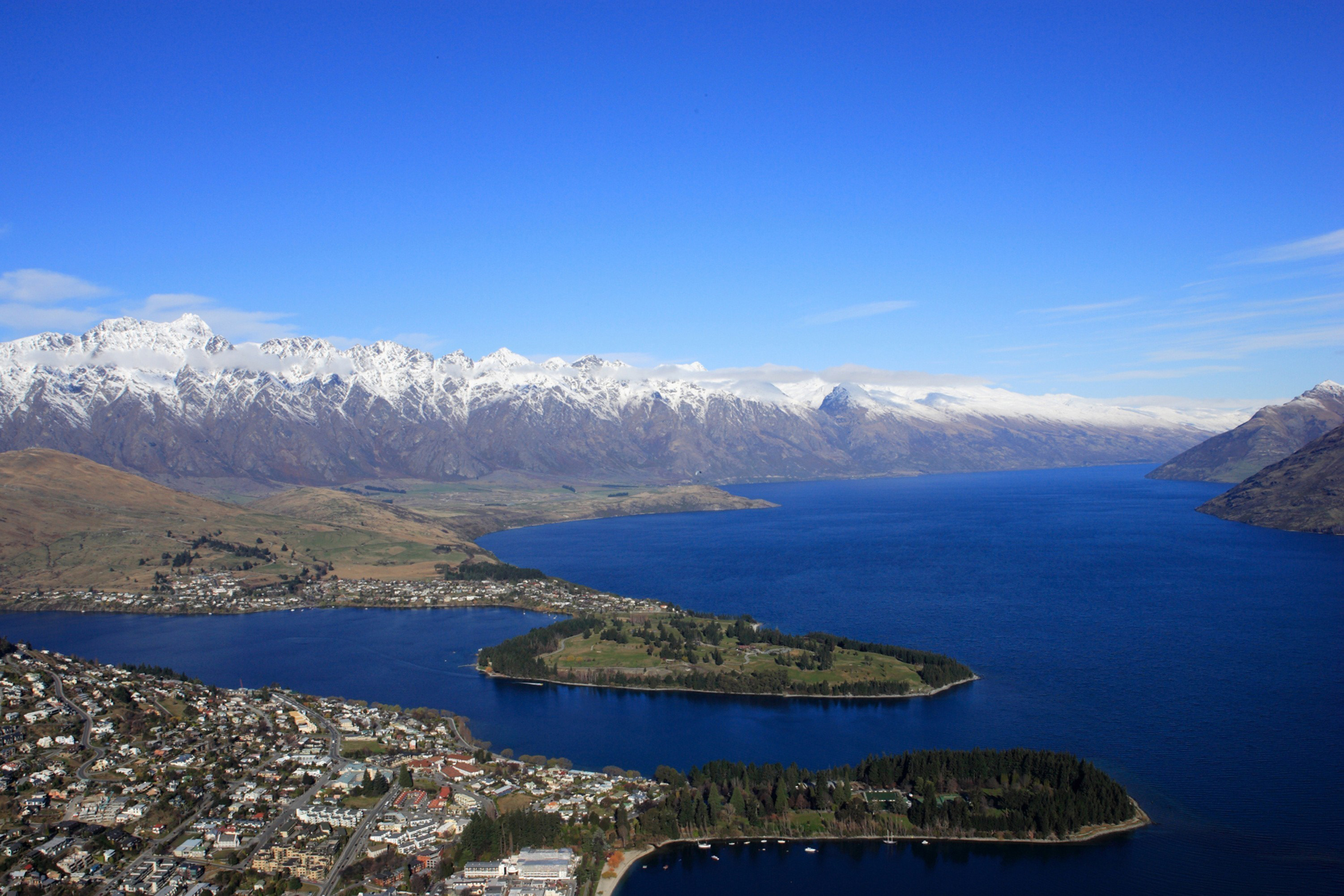 hotels in queenstown