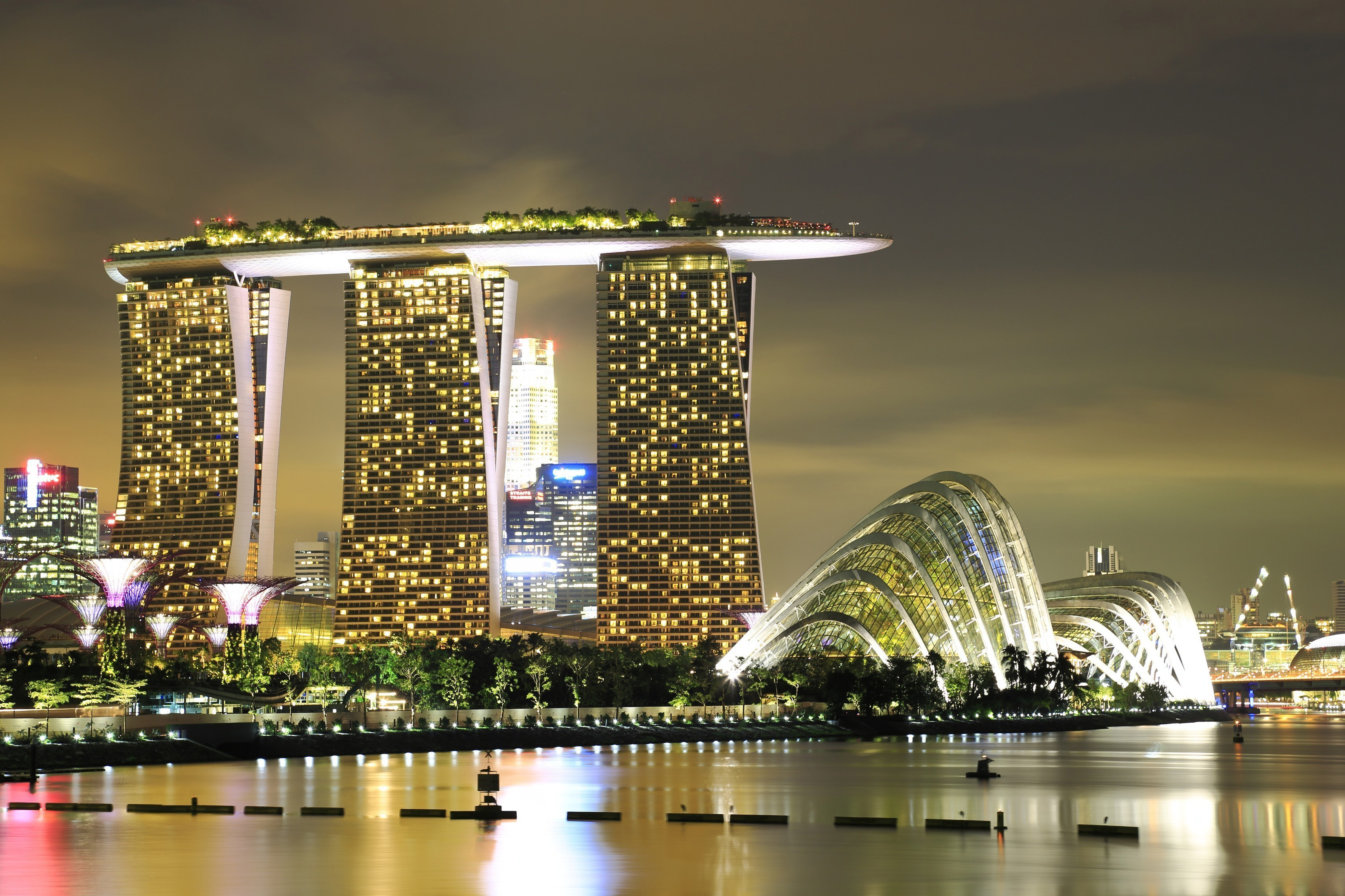 singapore casino Opened in 2010 singapore marina bay sands is part of the mega $55 billion resort project, marina bay sands hotel but it's much more than just a hotel and casino.